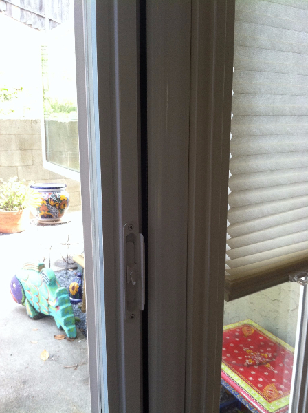 Roll away retractable screen doors the screen lady inc for Roll out screen door