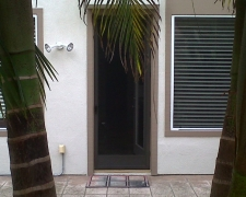 BRONZE CLEARVIEW SWINGING SCREEN DOOR